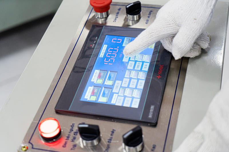 Hệ thống bảng điều khiển tự động hóa trên màn CNC cao cấp